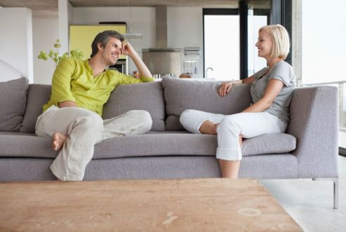 5489eb98d2842_-_rbk-couple-talking-couch-home-xln