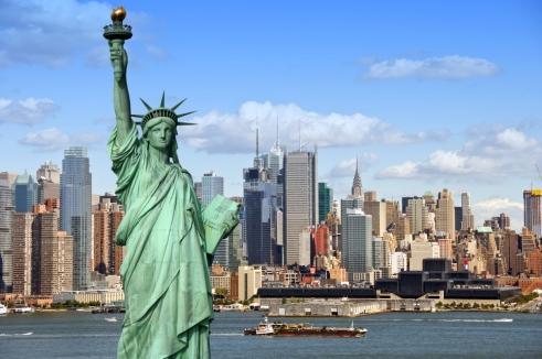 New-York-Skyline-mit-Freiheitsstatue.jpg